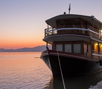 A one hour cruise along the Irrawaddy River as the sunsets, with the majestic pagodas as the backdrop